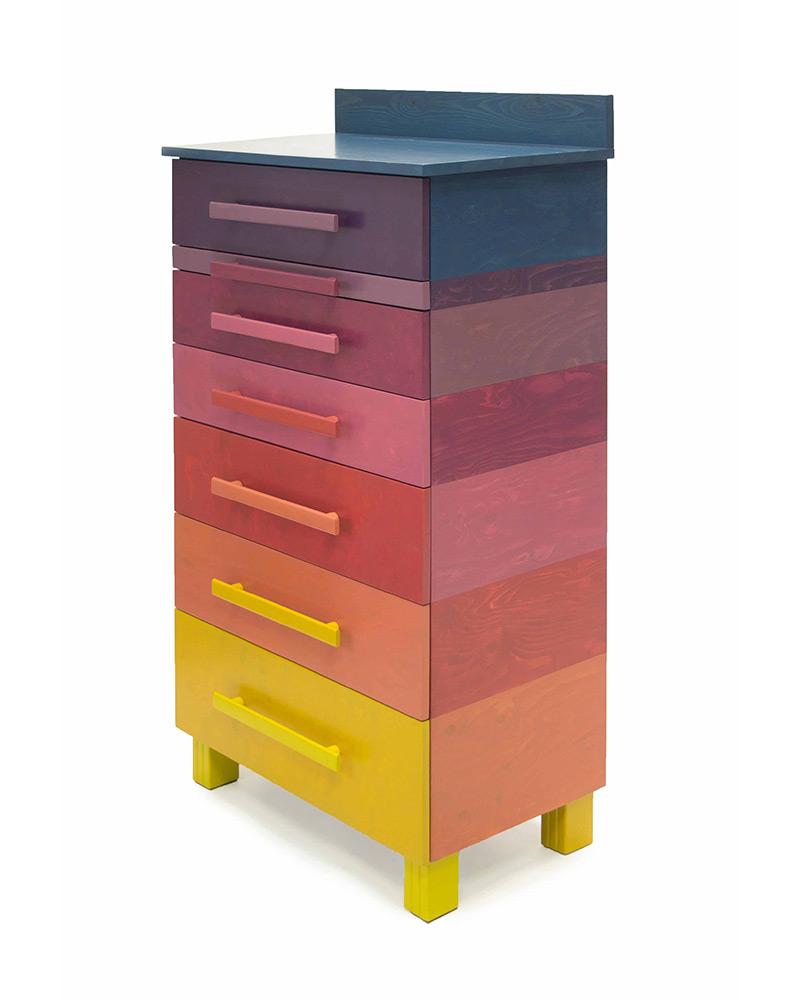 Kast met negen kleuren roodtinten sandra catsburg meubels - Uitschuifbare kast ...